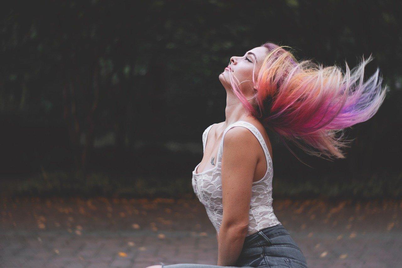 Cheveux colorés multicolor