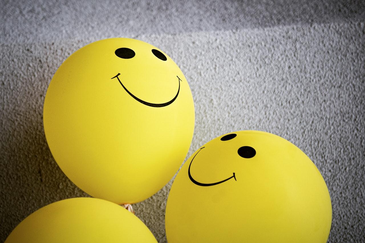 Ballon smiley jaune