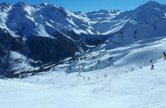 Verbier station de ski suisses montagnes enneigées
